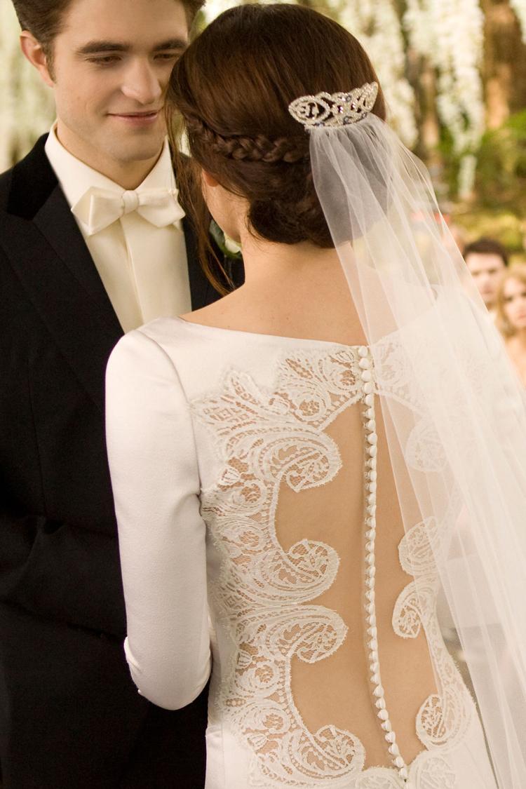 twilight-breaking-dawn-bella-wedding-dress-kristen-stewart-c ...