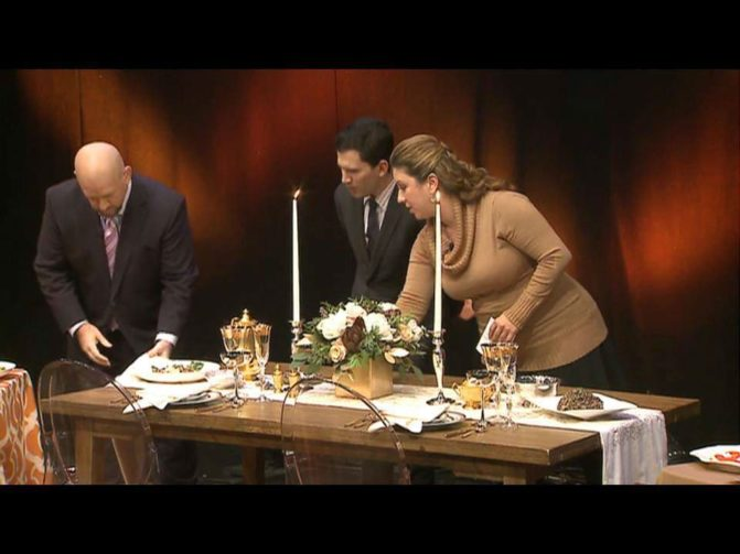 Michelle brings a thanksgiving tablescape to life on WGN